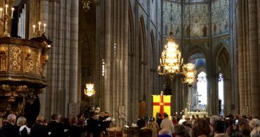 Kyrkomötet är öppnat