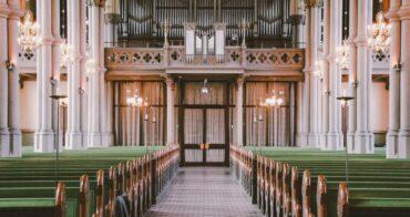 Kyrkan behöver organiseras om